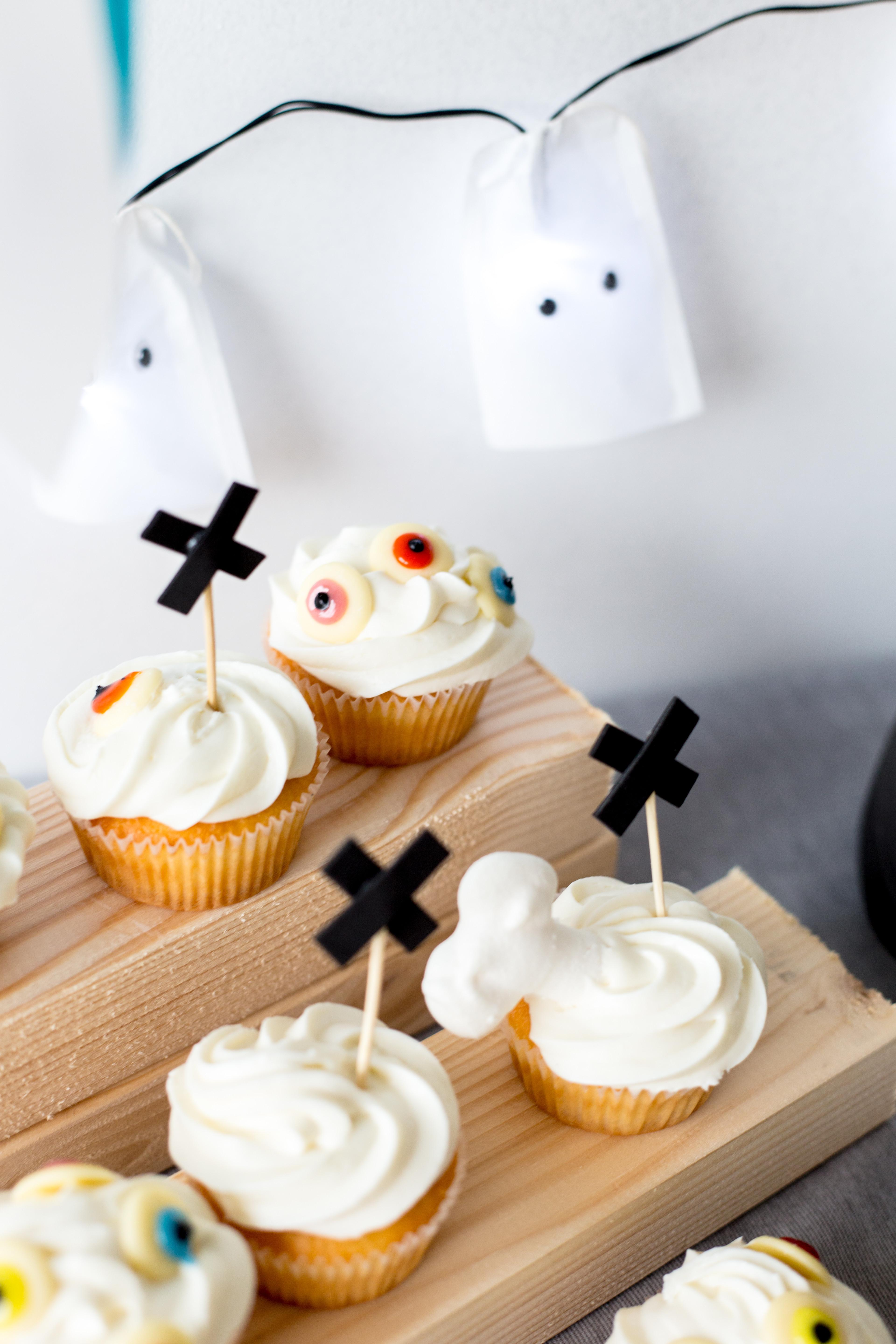 Super Quick Easy Last Minute Halloween Party Ideas