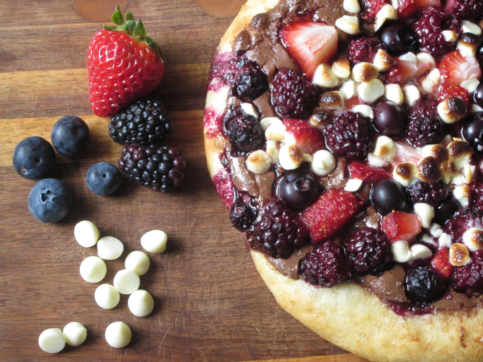 Sweet Luvin Kitchen Summer Berry Pizza