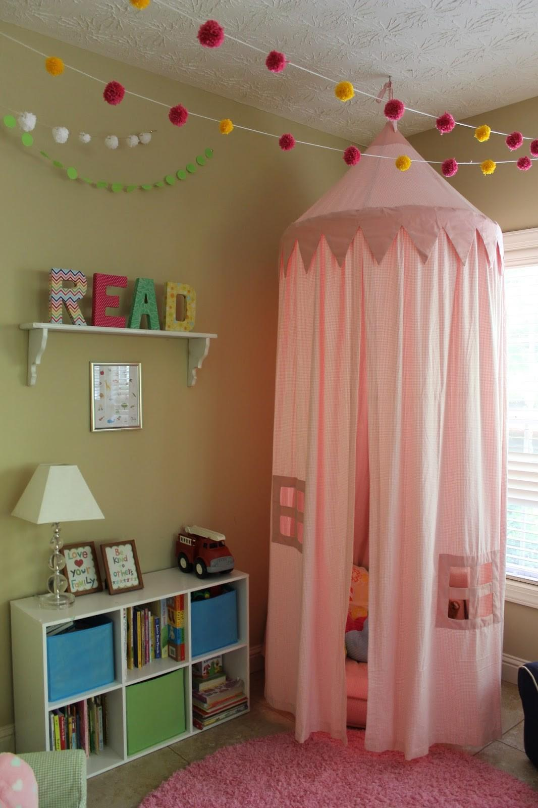 Sweet Reading Nook Ideas Girls Crafting