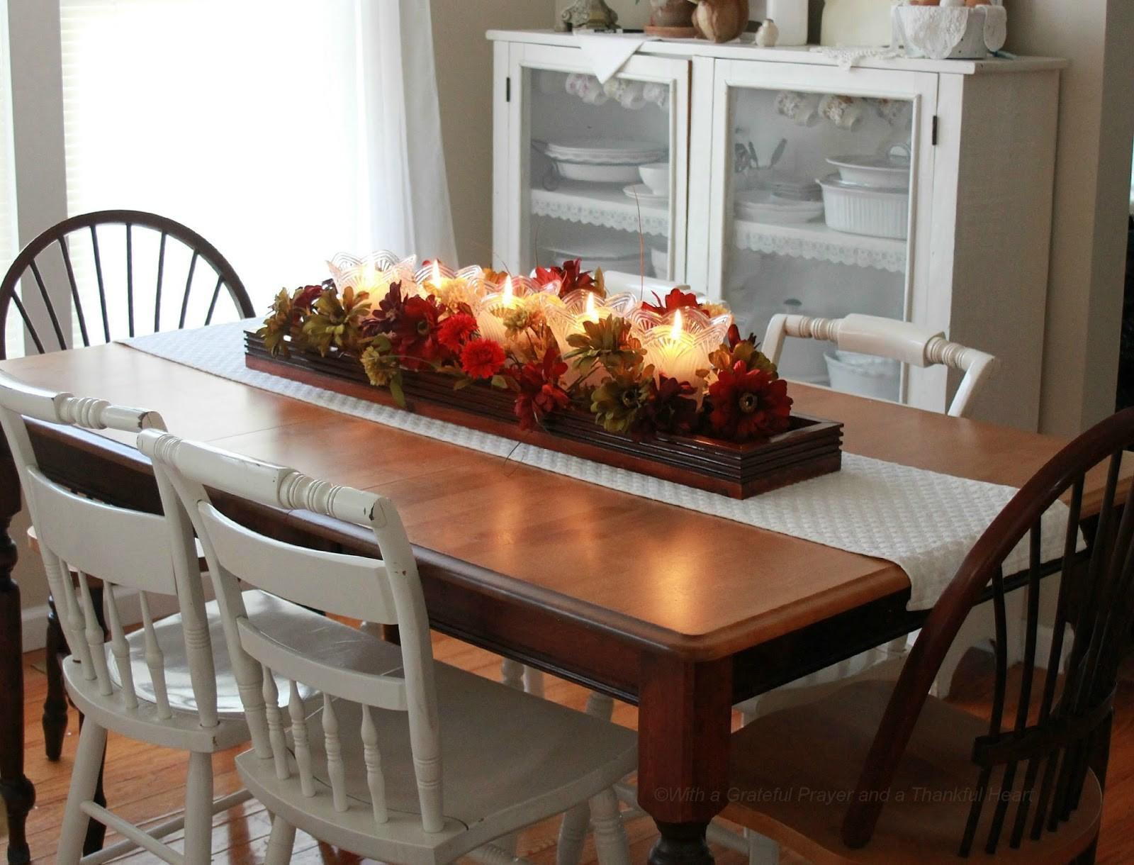 Practical Dining Table Centerpiece Ideas That Make A Big Difference For 2021 Photo Gallery Decoratorist