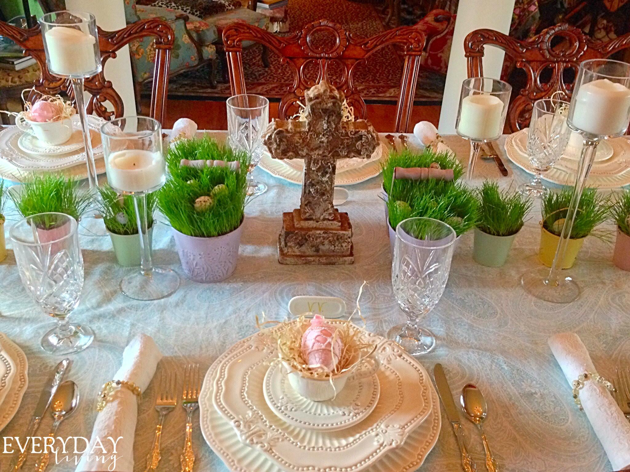 Tablescape Tuesday Old Rugged Cross