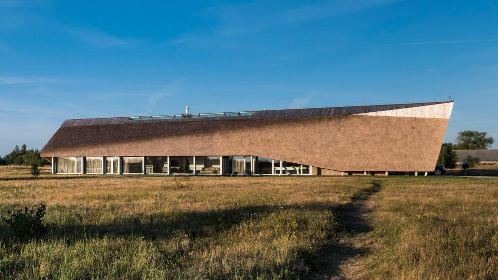 Thatched Roof Seaside Home Rises Like Glorious Dune Curbed