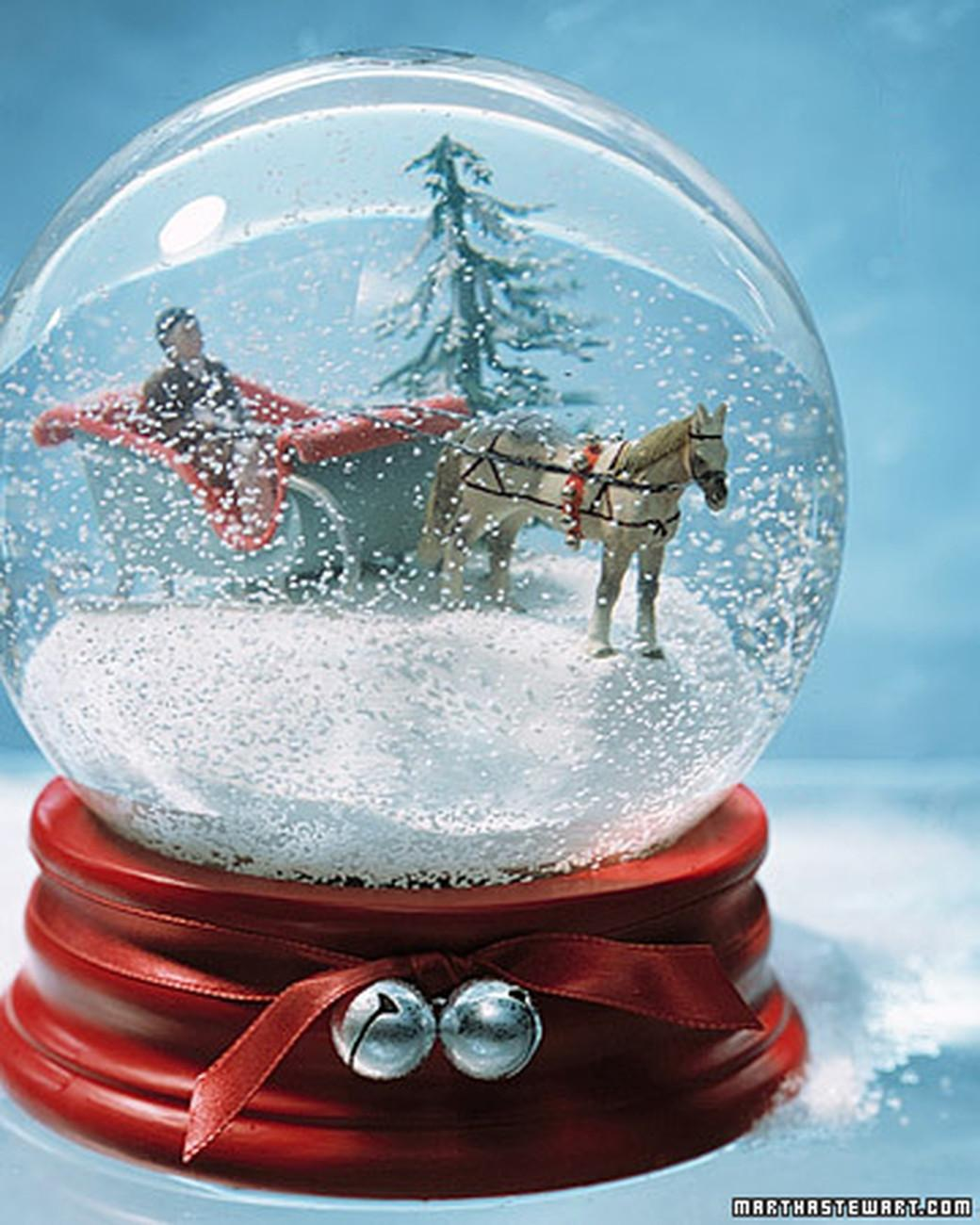 These Diy Snow Globes Have Jolly All Season Long