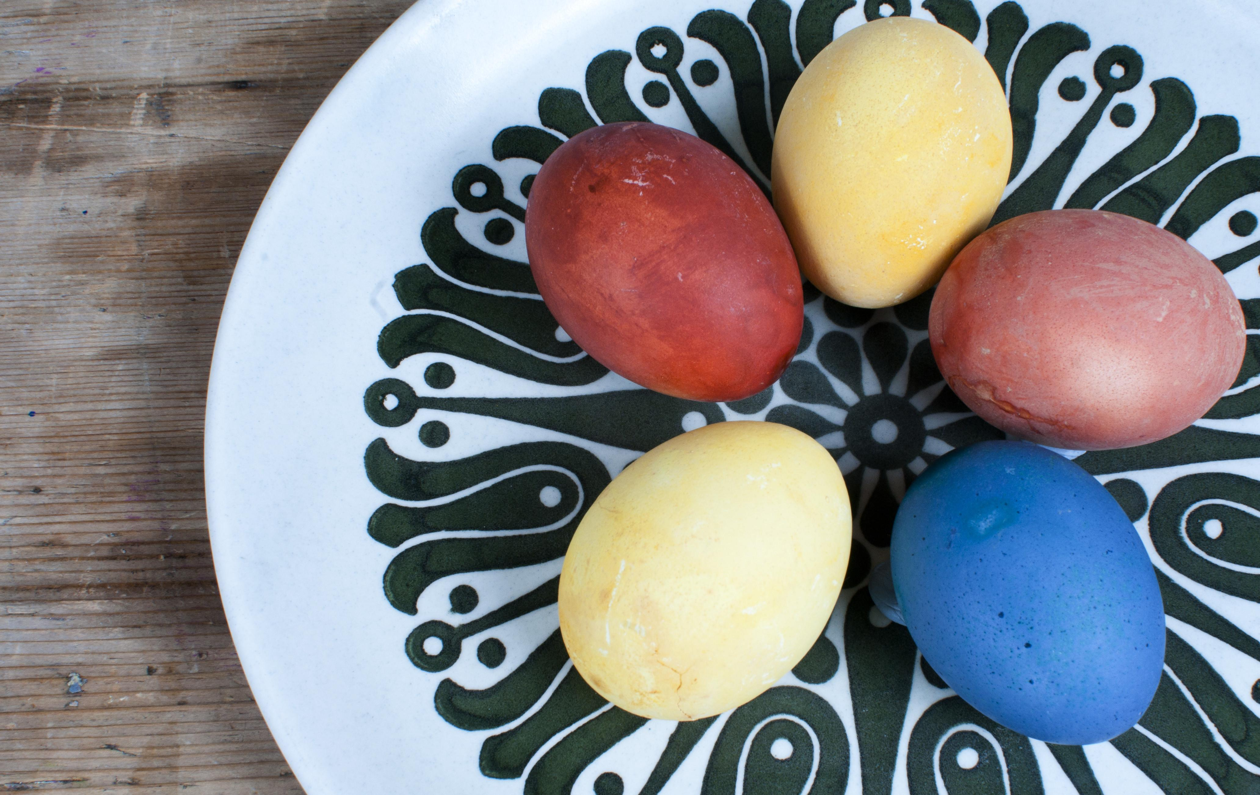 Three Easy Ways Decorate Easter Eggs