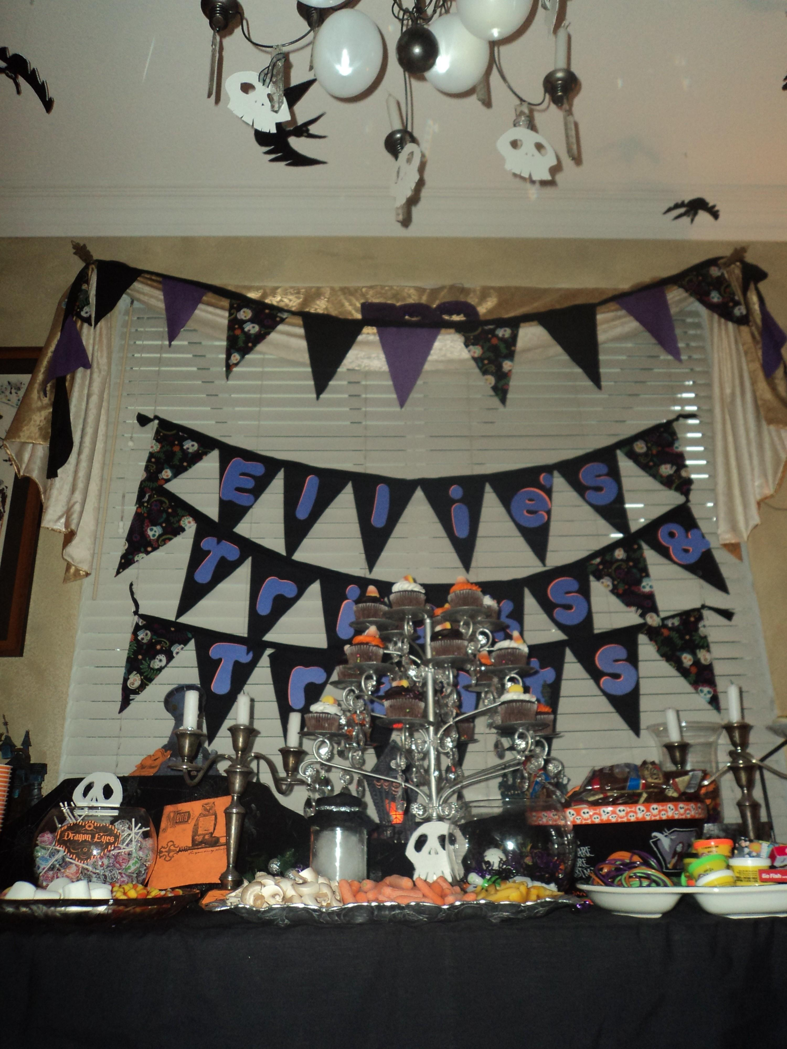 Throw Girls Nightmare Before Christmas Party