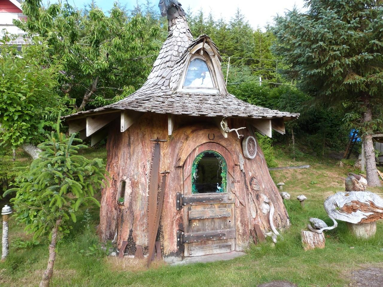 Tiny Hobbit Home Carved Stump Straight Out
