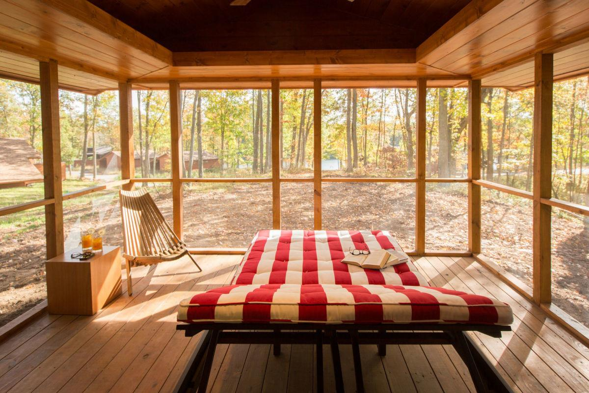 Tiny Homes Charming Cabins Canadian Grid