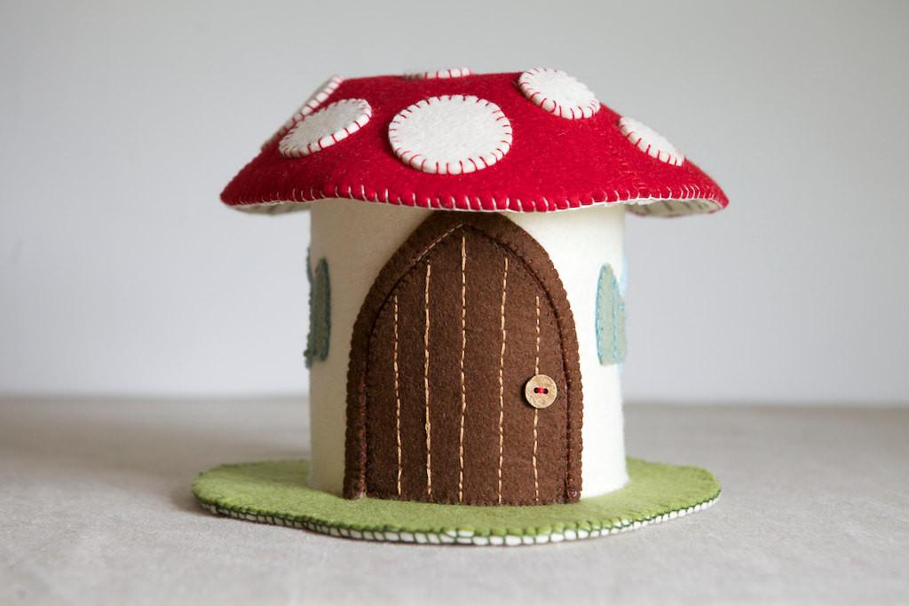 Toadstool Felt House Sewing Pattern Diy Embroidery