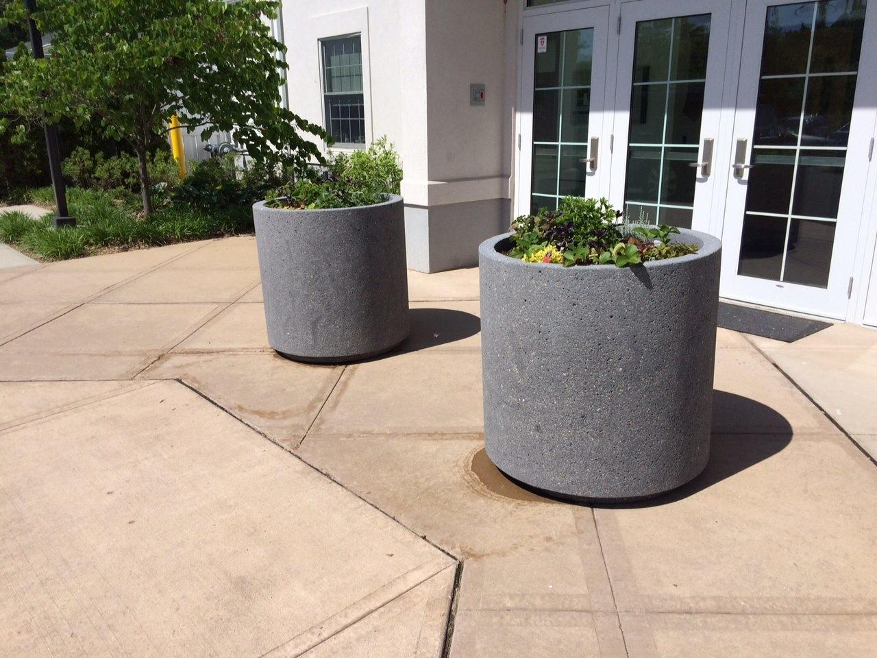 Top Planters Concrete Round Planter Toe
