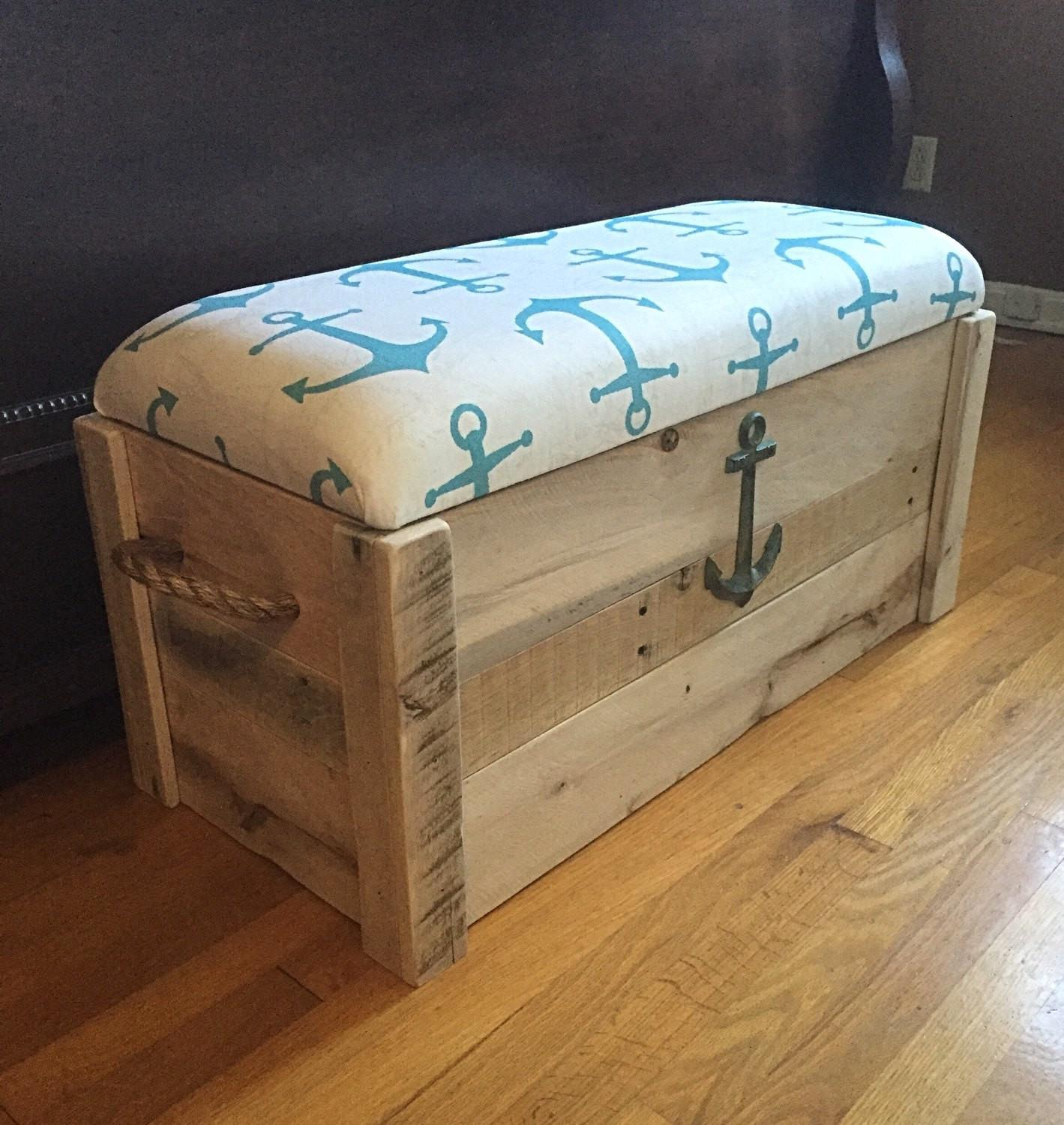 Toy Chest Bench Mariaalcocer