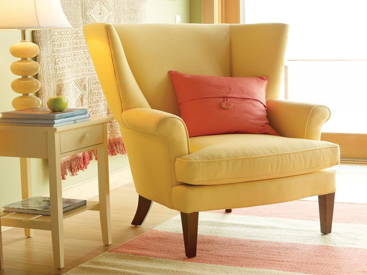 Traditional Living Room Chairs Yellow Chair