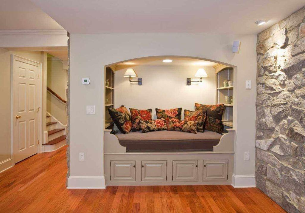 Traditional Living Room Natural Stone Wall Reading