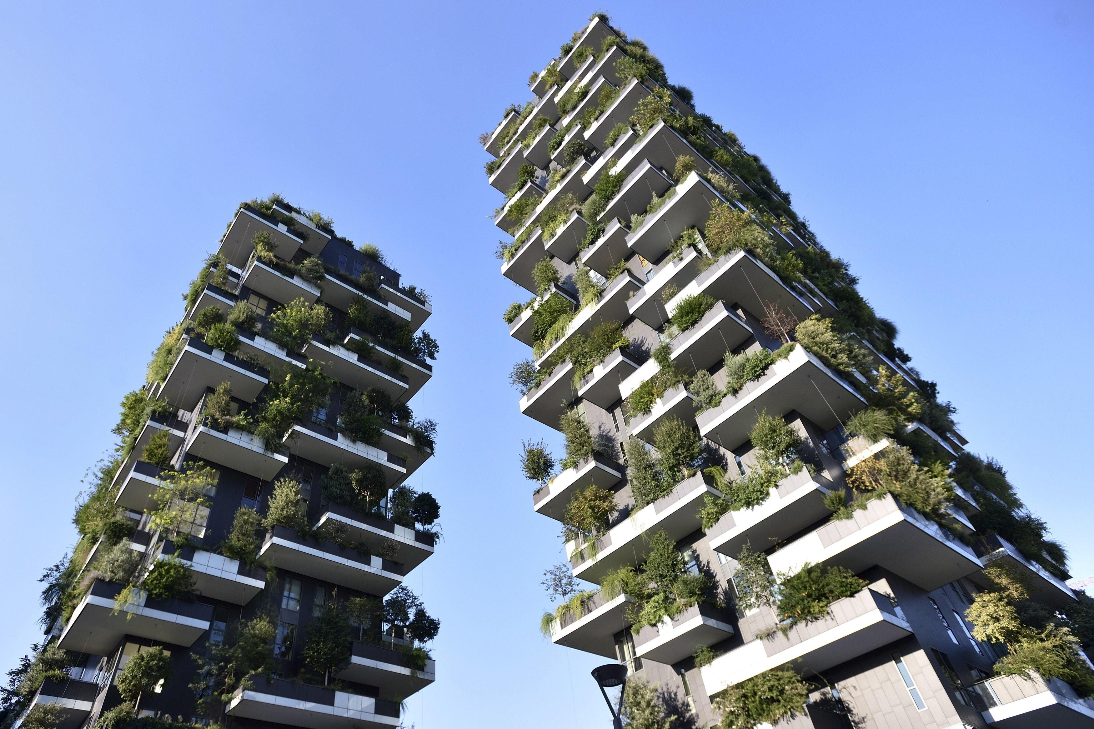 Tree Covered Skyscraper Redefines Green Architecture