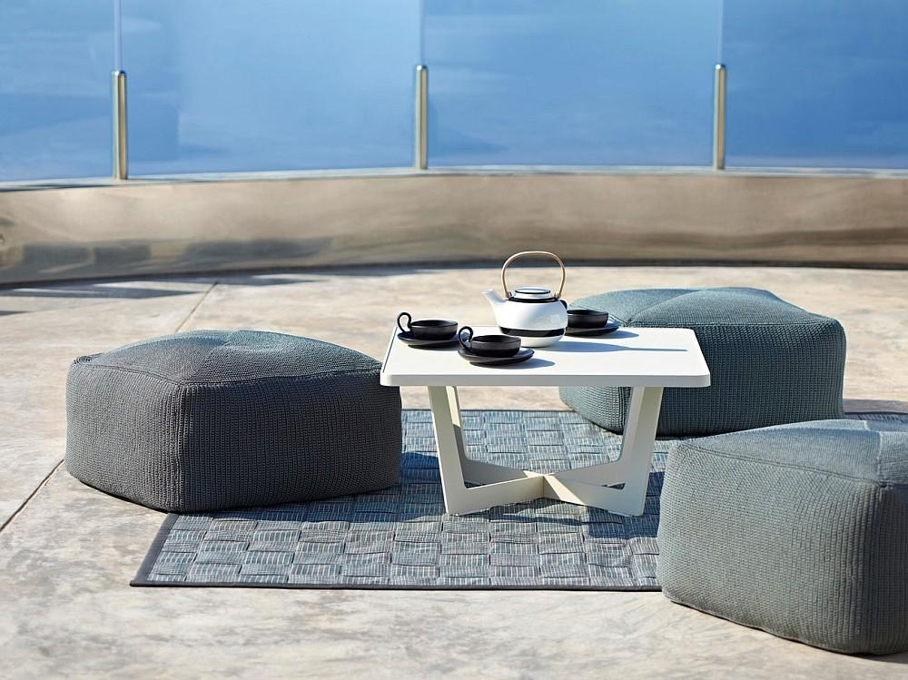 Trendy Outdoor Seating Collections Induce