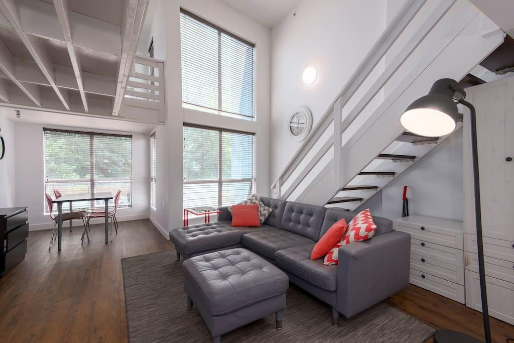 Trendy Two Level Loft Yaletown Downtown Vancouver