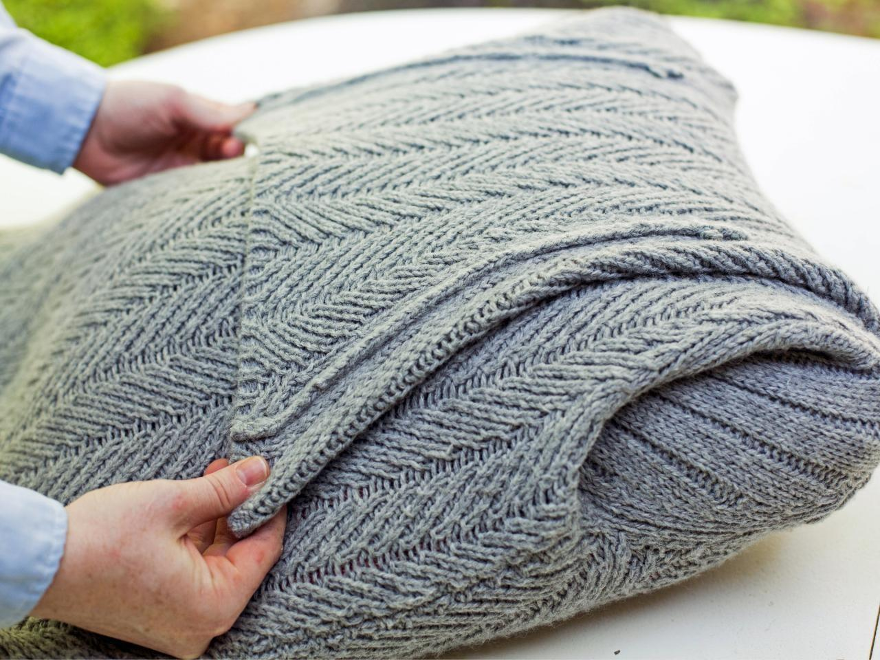 Turn Old Sweater Into Chic Preppy Pillow