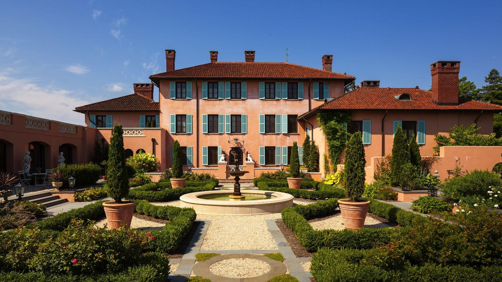 Two Neglected Mansions Became Leading Luxury Hotels