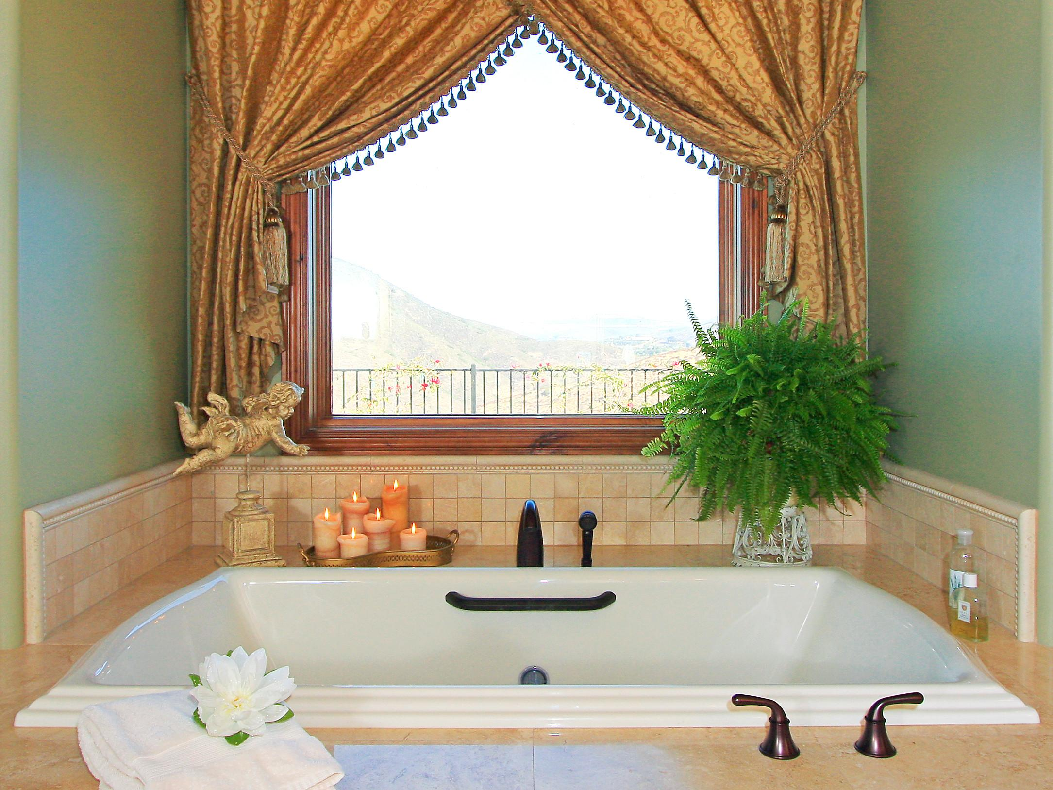 Unforgettable Decorate Bathroom Window