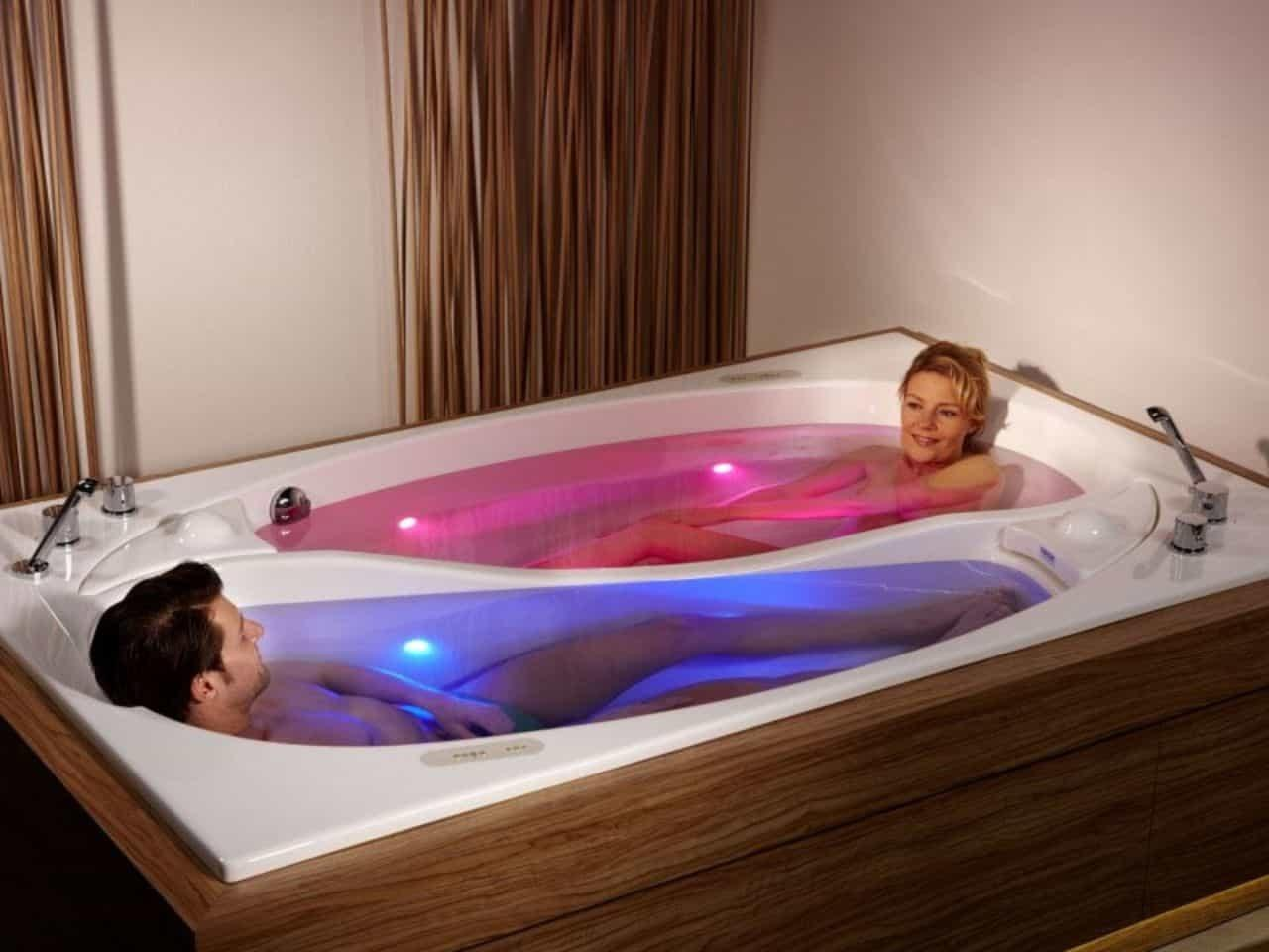 Unique Soaking Tub Yin Yang Design Led Light Idea