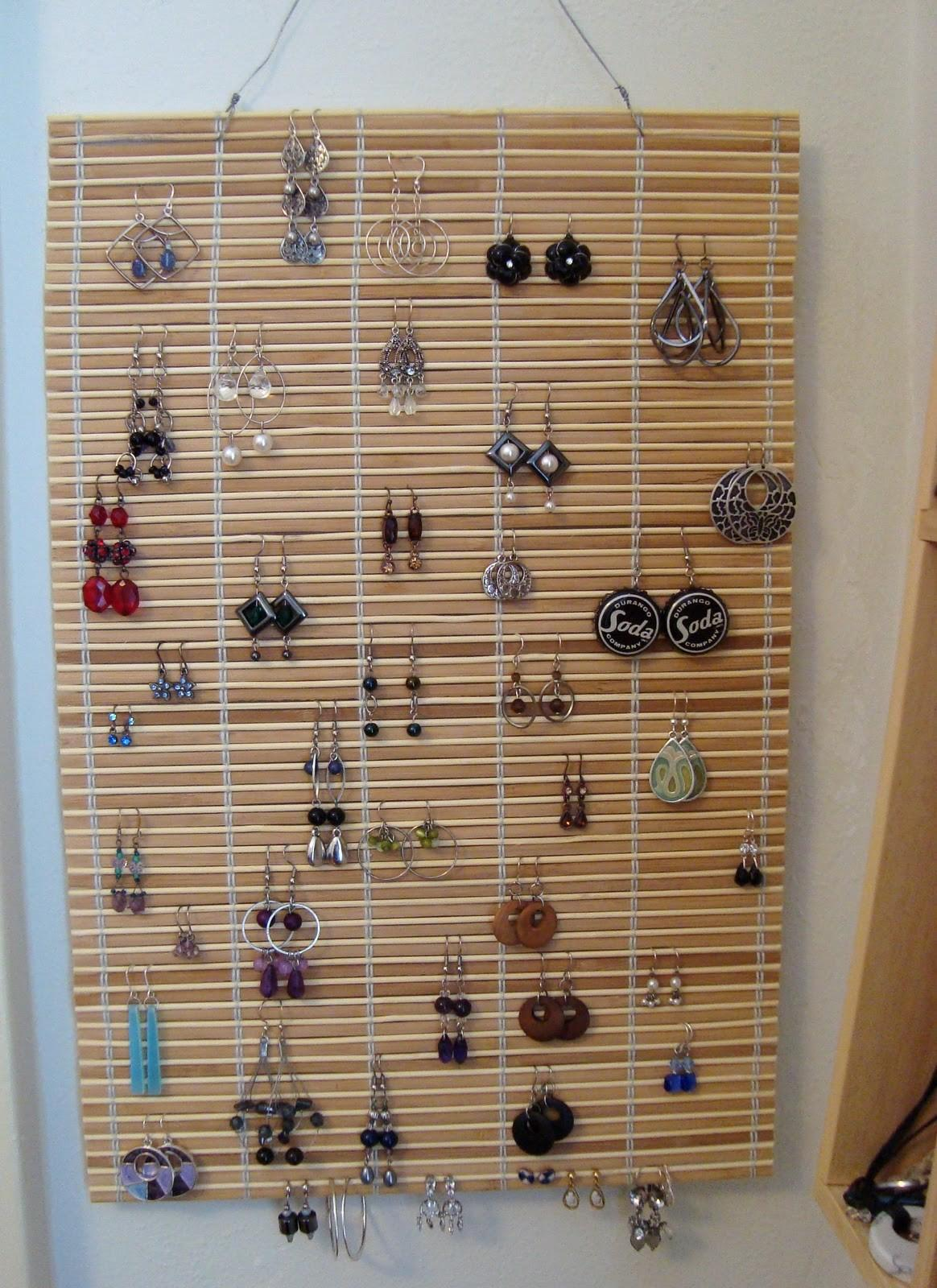 Unique Ways Display Store Jewelry