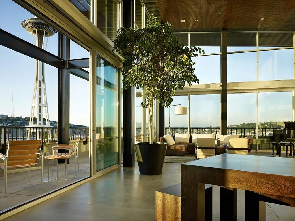 Unusual Eco Freindly Interior Design High Glass Wall