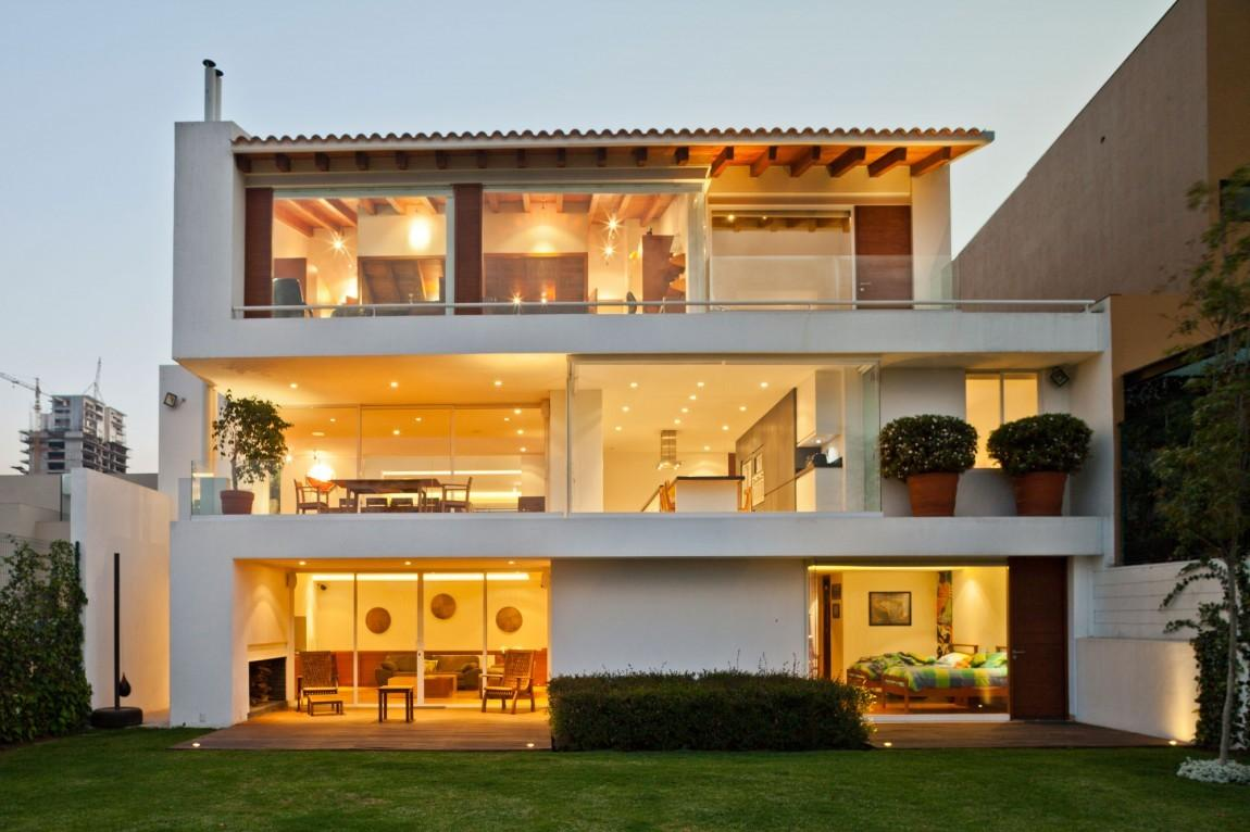 Urban Modernism Huge House Based Mexico City Has
