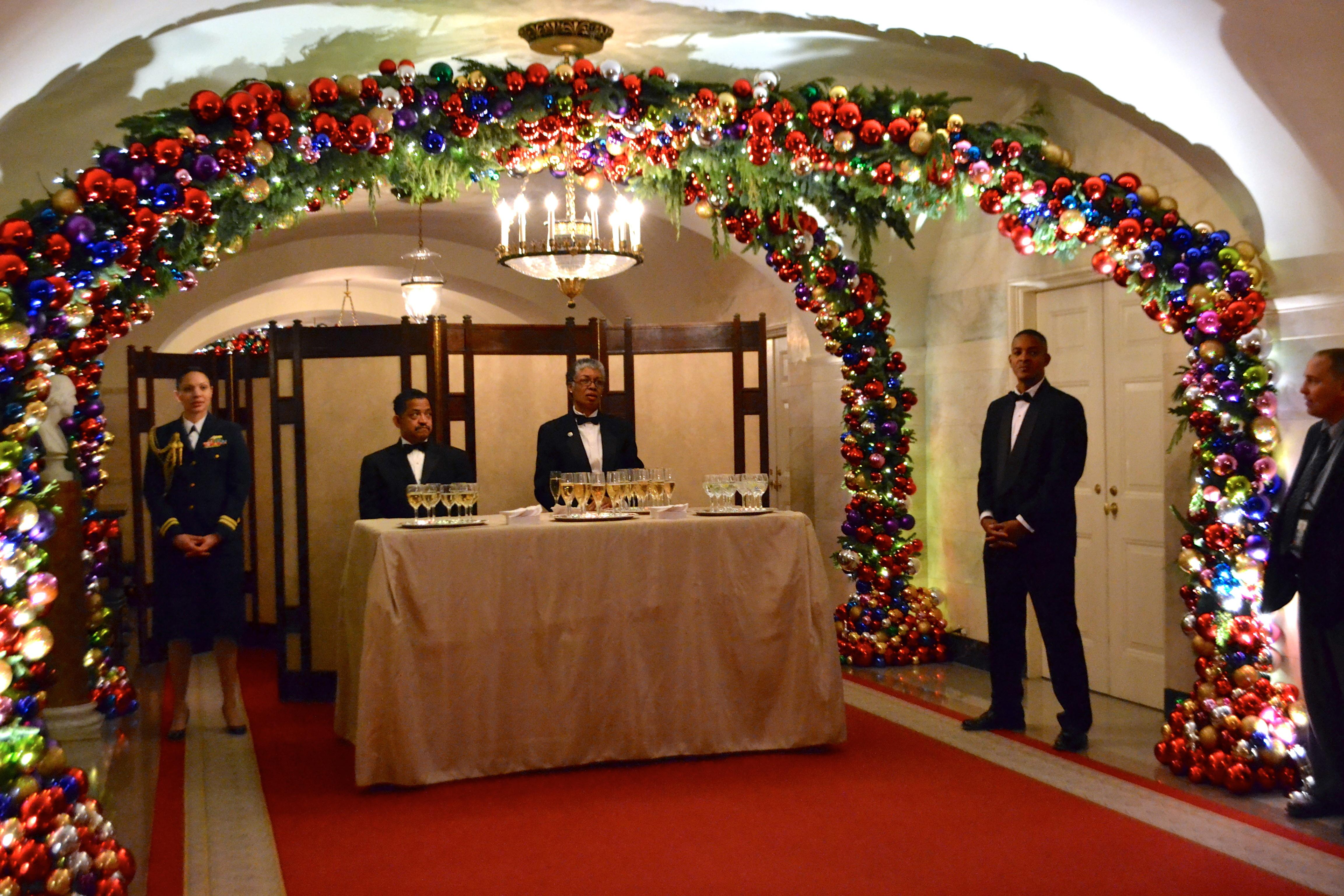 Vahi Business Owner Helps Decorate White House