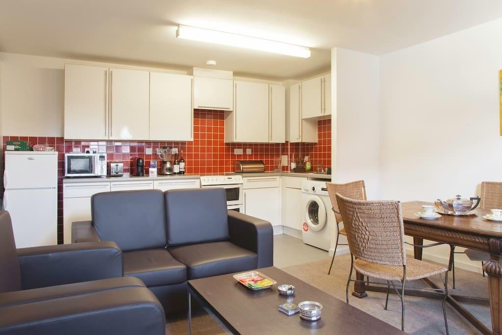 Very Comfortable Double Bedroom Apartments Rent