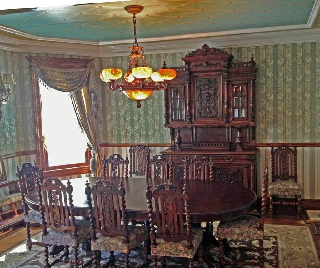 Victorian Style Dining Room Classy Touch
