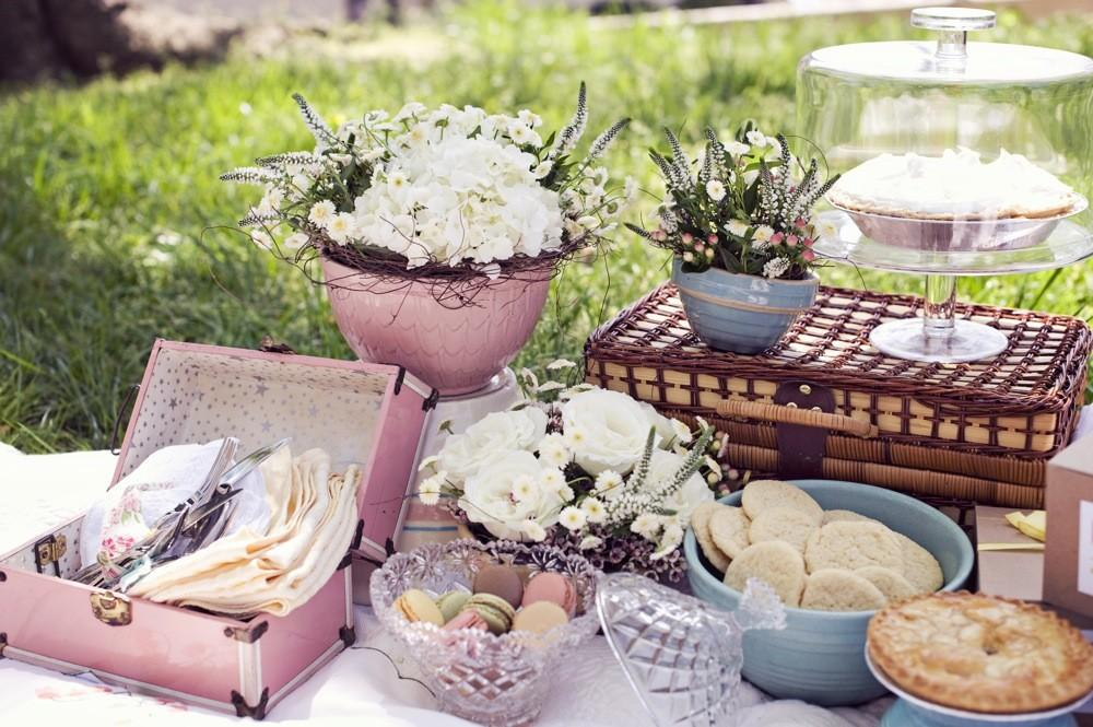 Vintage Chic Style Dictionary Inspiration Shoot Every