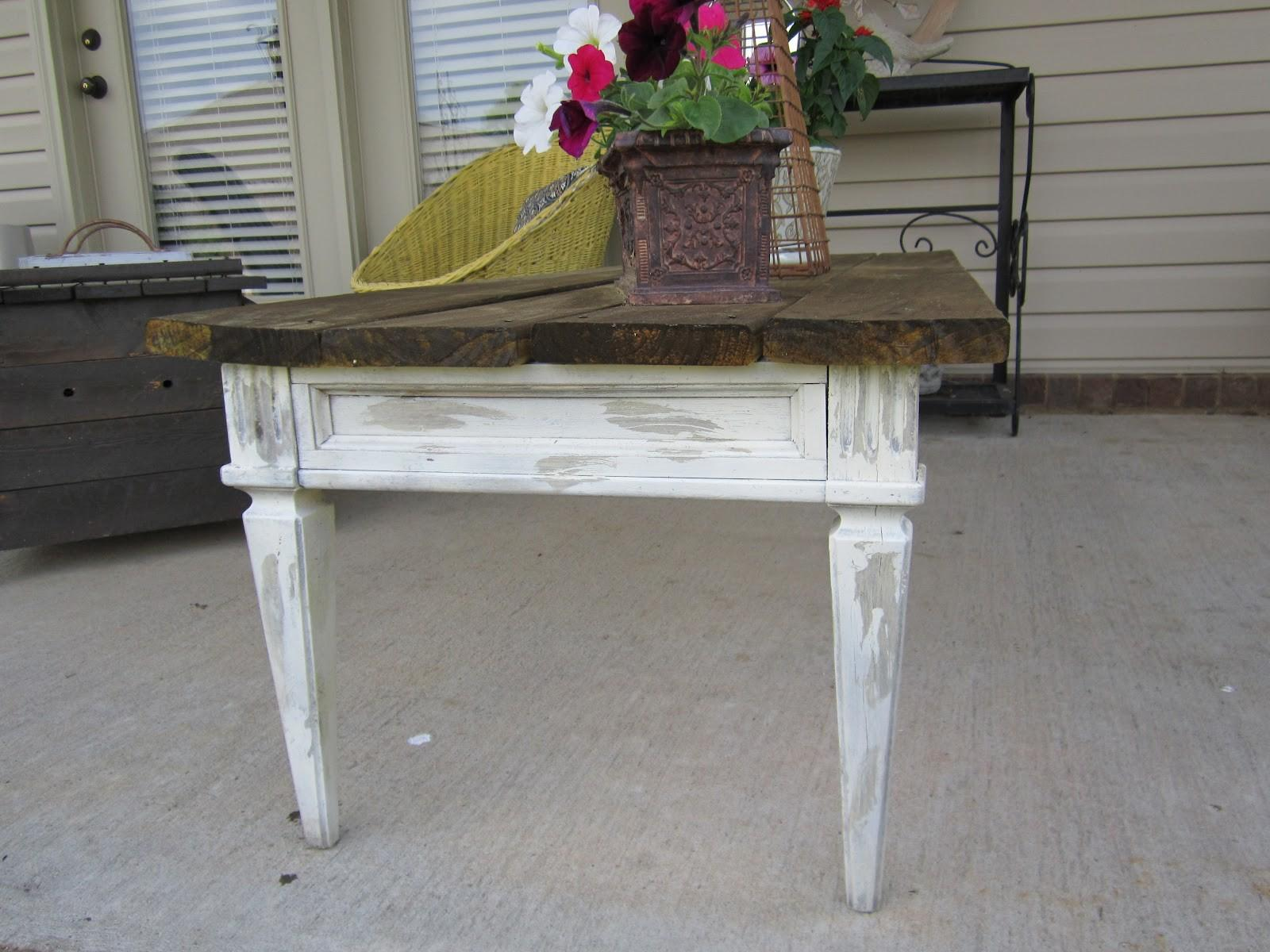 Vintage Finds Patio Coffee Table Makeover