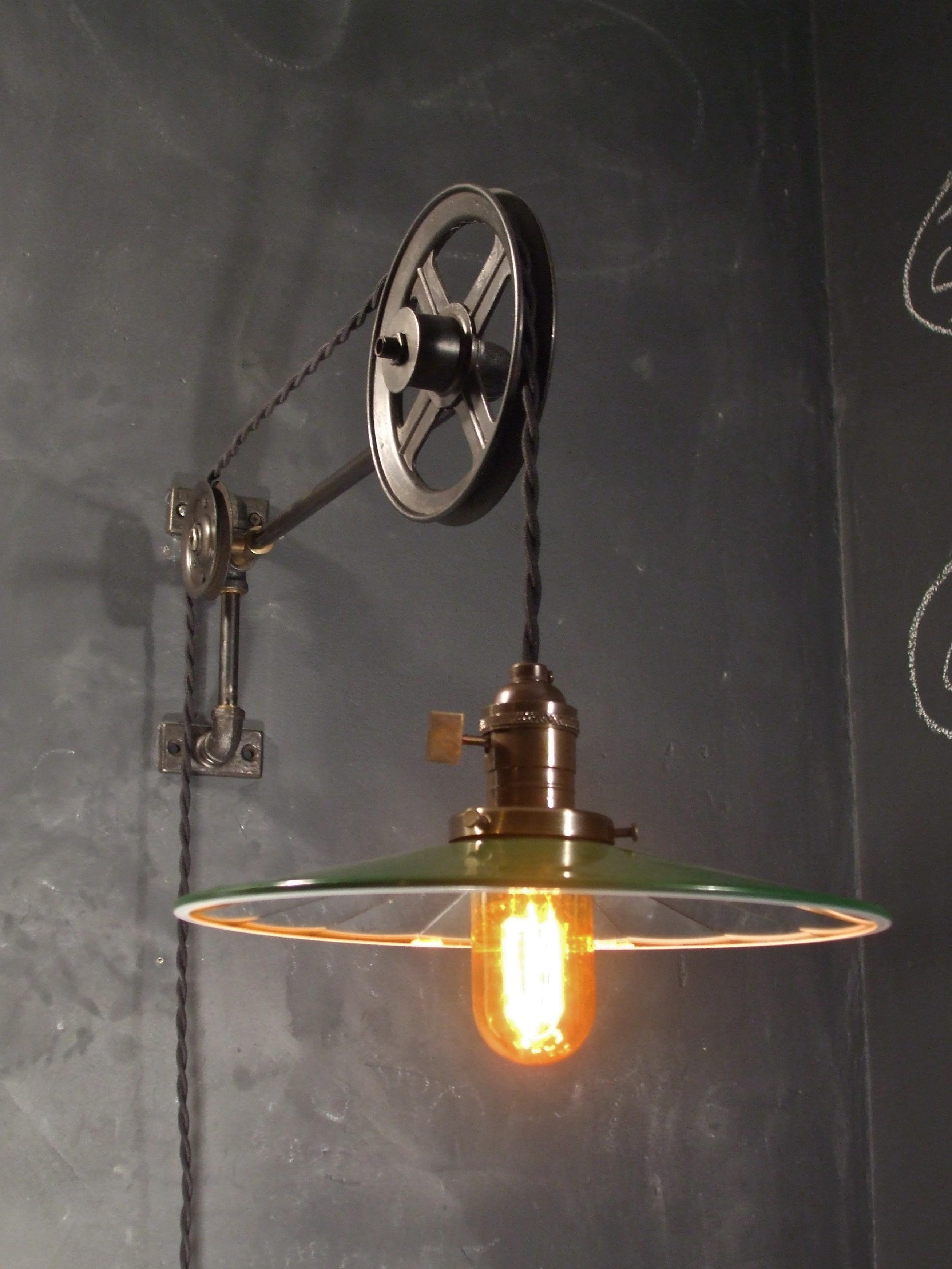 Vintage Industrial Style Pulley Lamp Mirrored