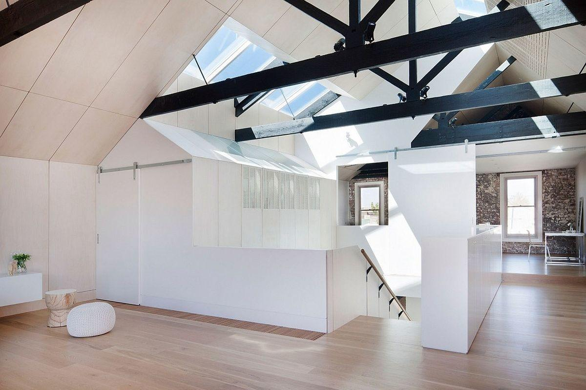 Water Factory Extended Family House Takes Shape Inside
