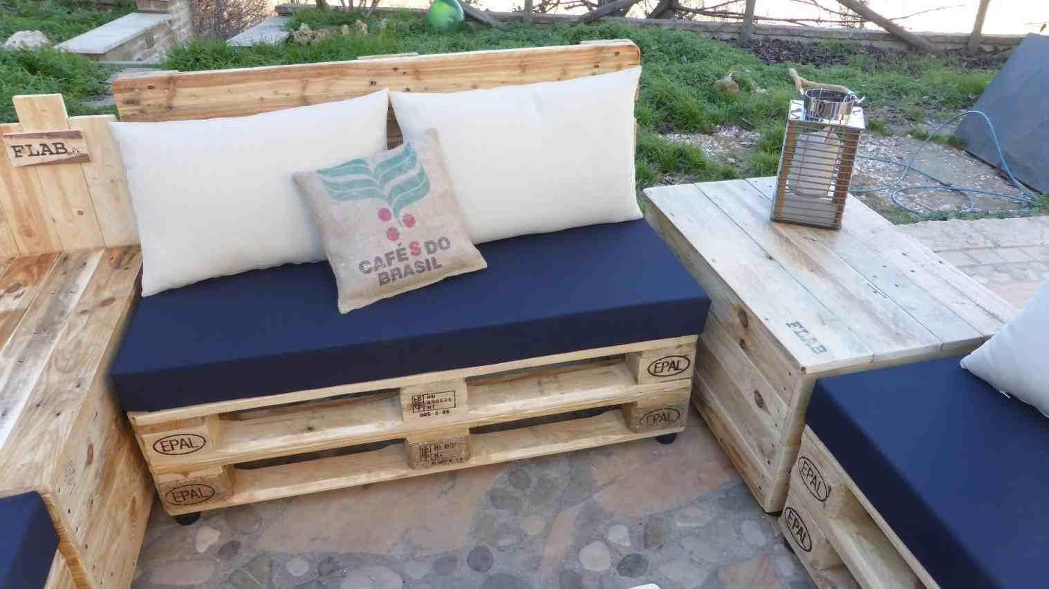 Ways Furniture Made Out Wood Turning Pallets Into