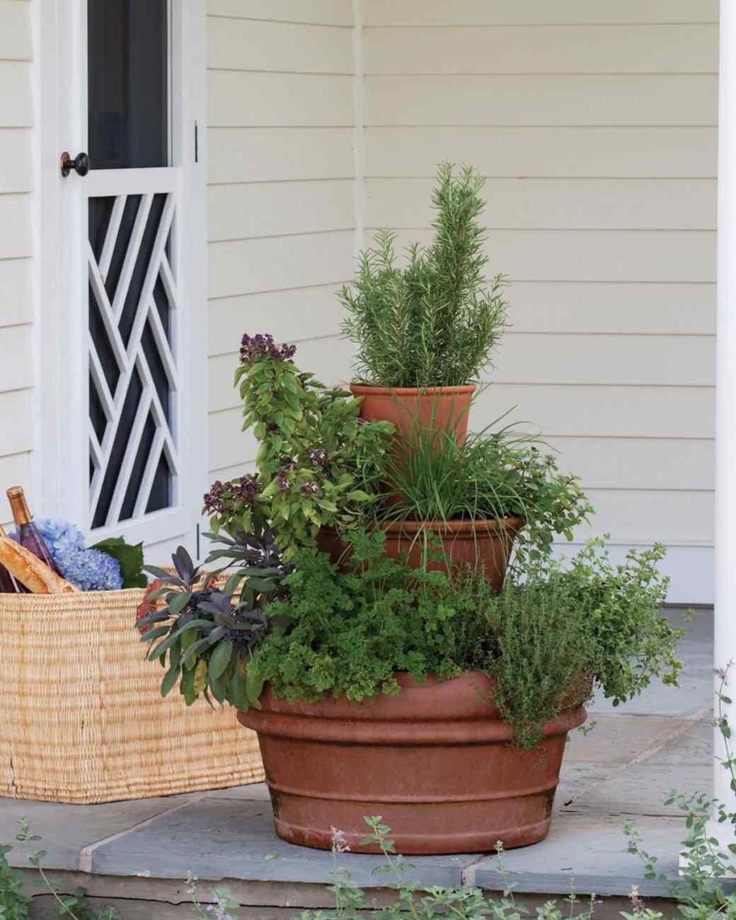 Ways Show Your Green Thumb Cool Diy Planters