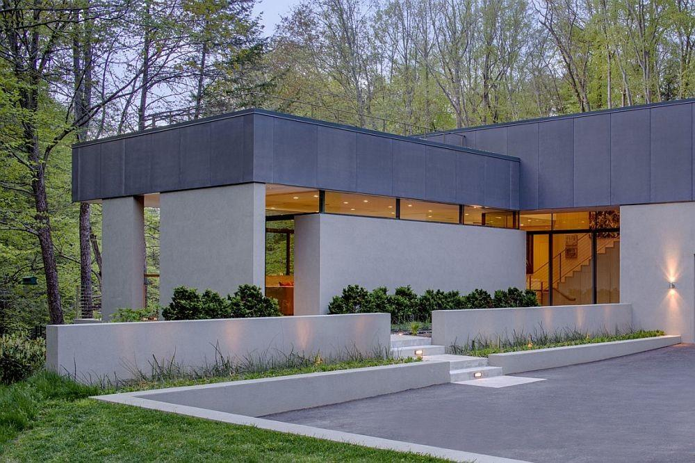 Weston Residence Lakeside Home Taps Into Terraced Planes