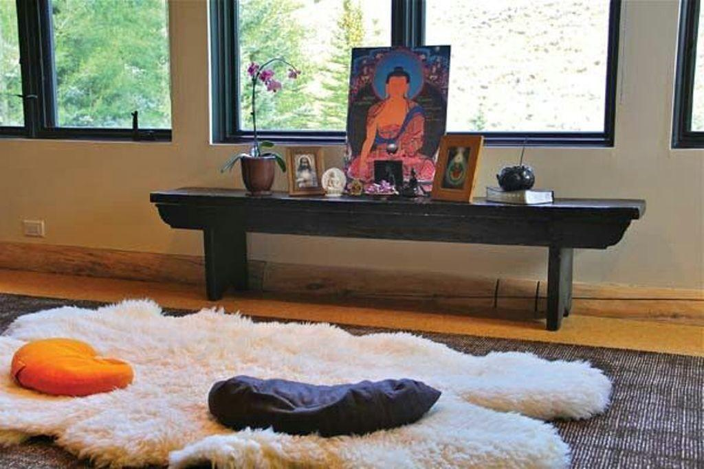 White Fur Rug Small Meditation Room Decorating Ideas