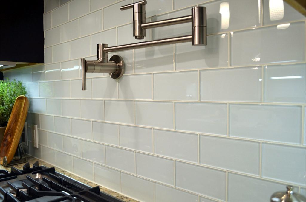 White Gloss Subway Tiles Wall Chrome Swivel Hanger