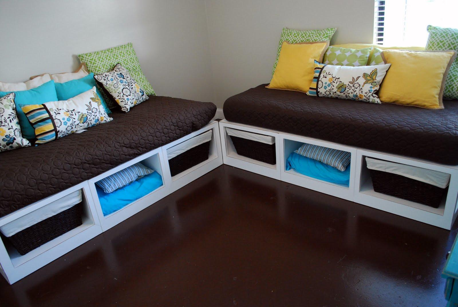 White Wooden Day Bed Without Headboard Using Dark