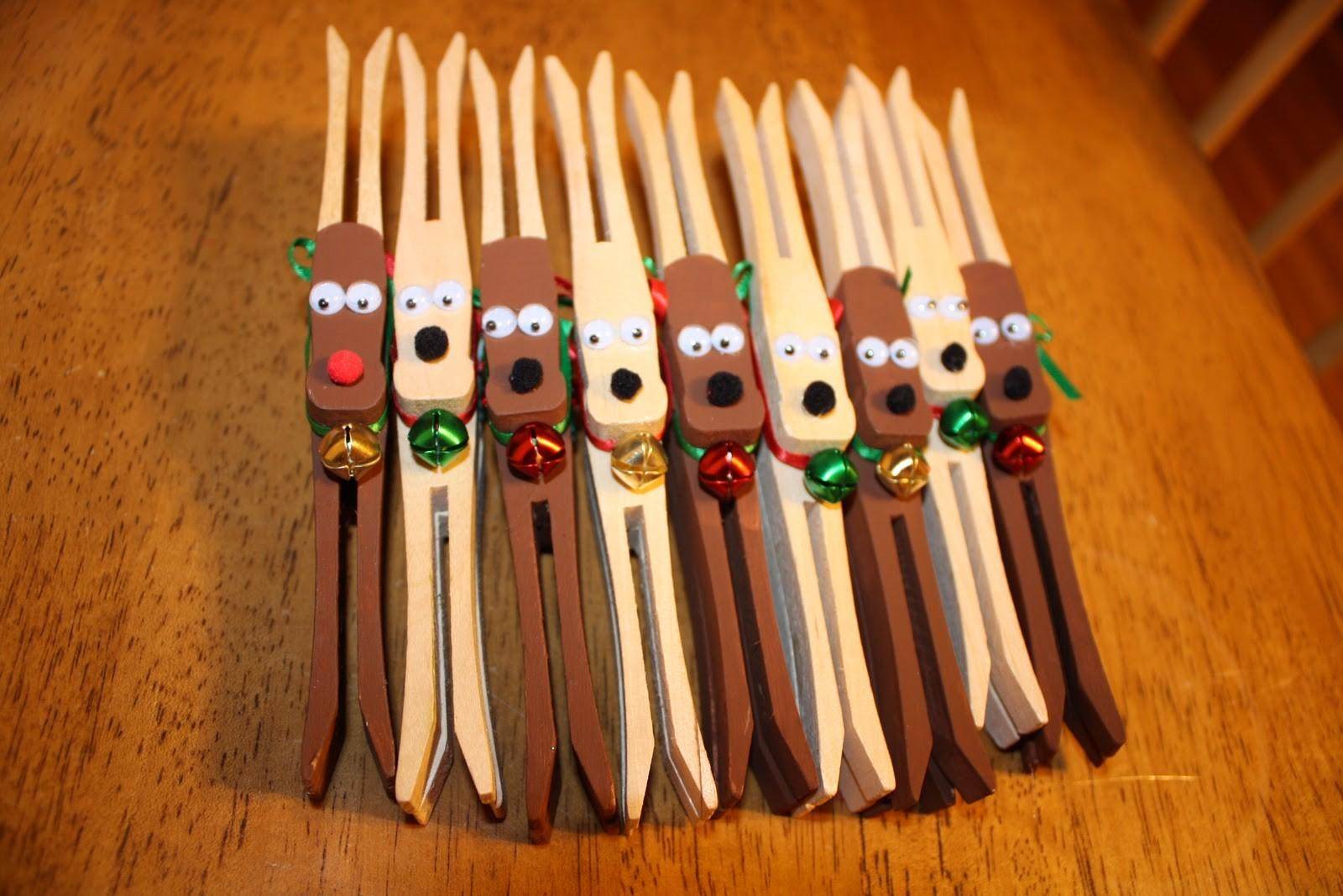 Wicked Crafty Clothespin Reindeer