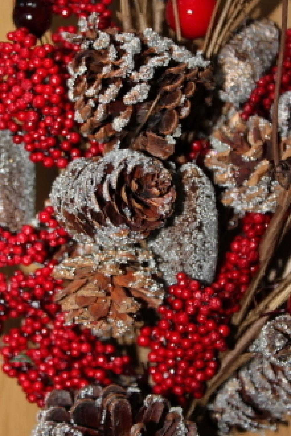 Widmanns Inch Nut Berry Pine Cone Christmas Swag