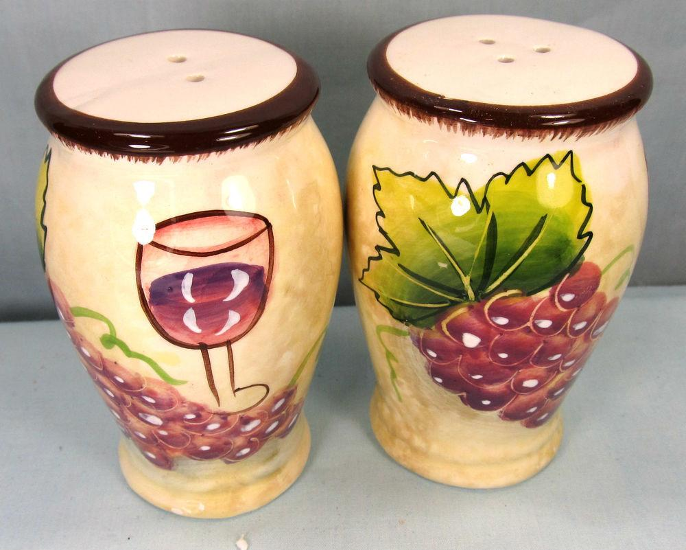 Wine Grapes Pattern Ceramic Salt Pepper Shakers