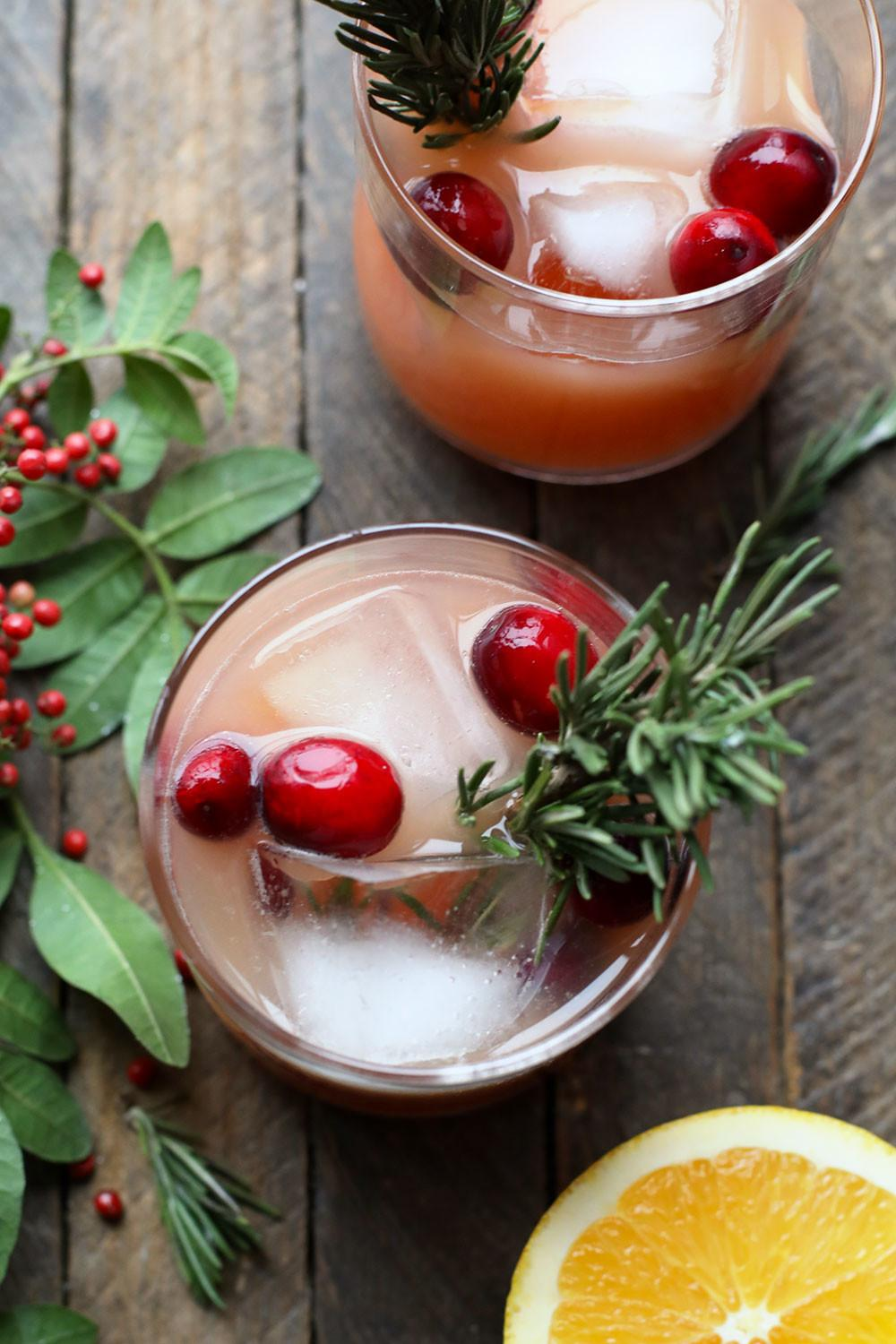 Winter Orange Rosemary Cocktail Choosecartons