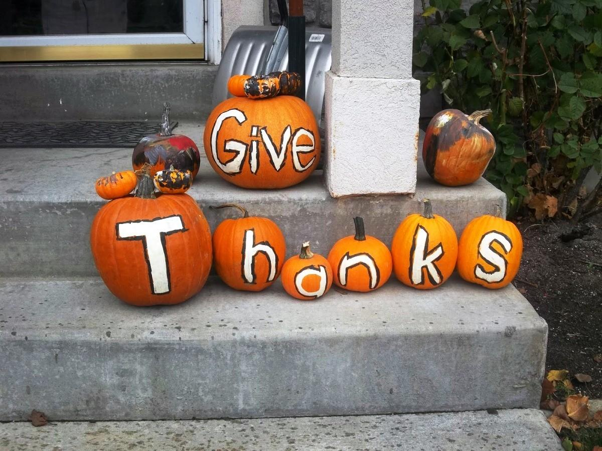 Wondrous Thanksgiving Porch Decor Presents Stunning