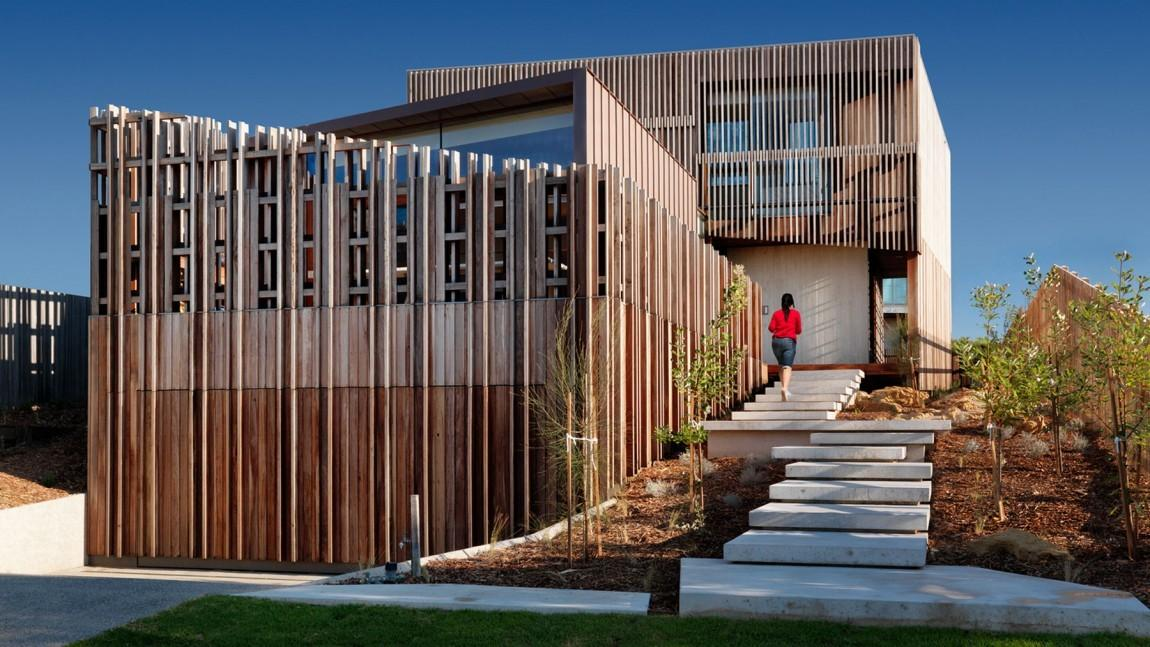 Wooden Fortress Slats Create Unusual Effect