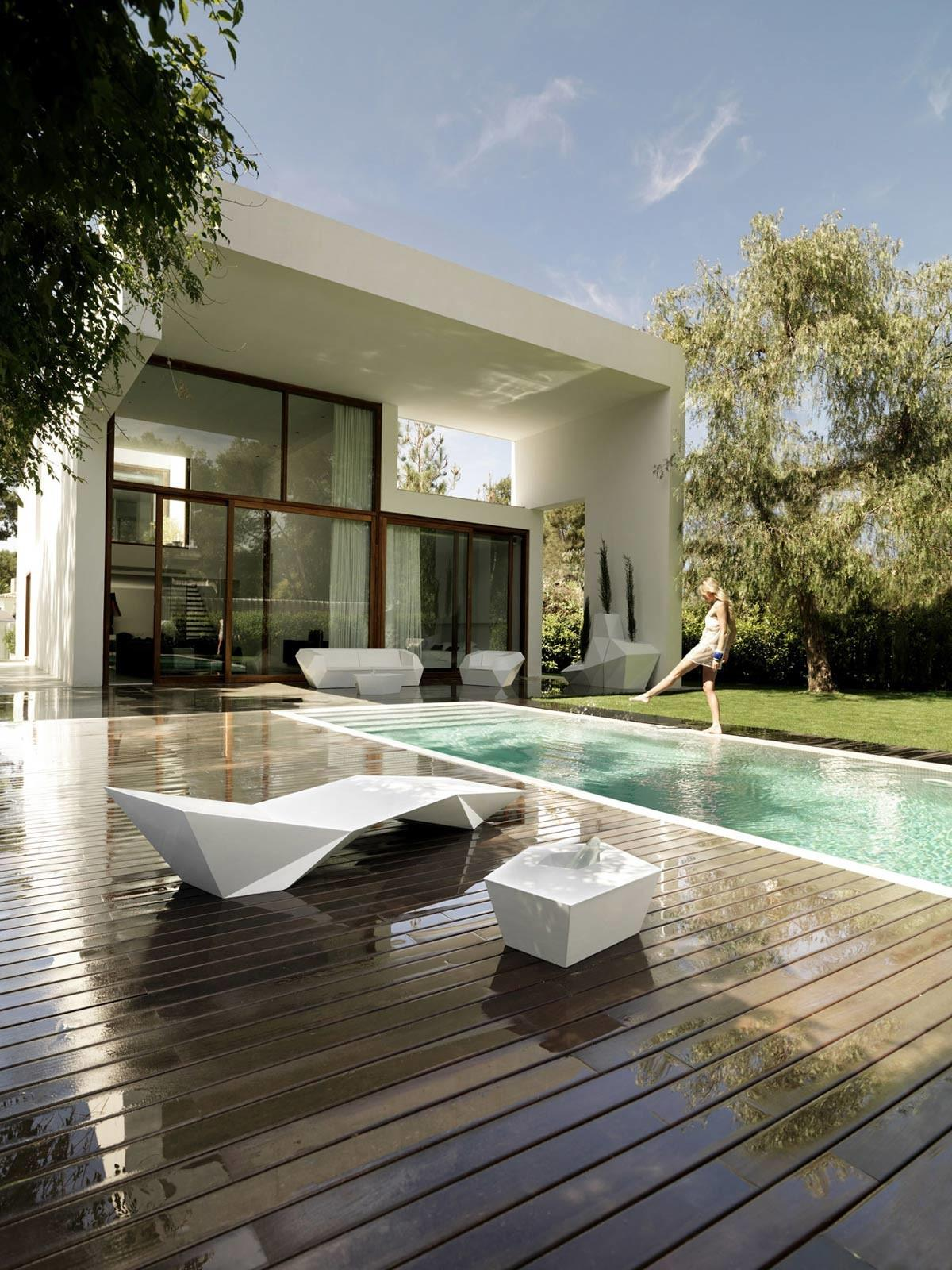 Wooden Terrace Outdoor Swimming Pool Contemporary Home