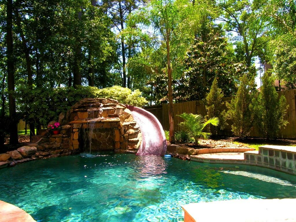 Worlds Back Yard Pool Also Most Swimming Pools Have